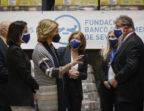 Su Majestad la Reina Doña Sofia visita el Banco de Alimentos