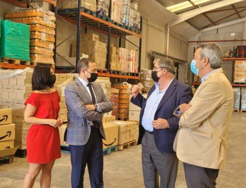 Ricardo Sánchez visita el Banco de Alimentos de Sevilla